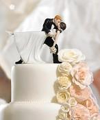 Figurka V objetí tance na dortu