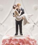 figurka V náruči pravé lásky na dortu