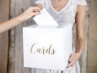 Truhlička na příní s nápisem Cards
