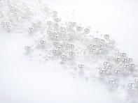 Svazek perliček na silikonu bílých