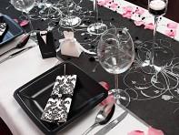 Růžovo černá slavnostní tabule