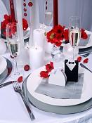 krabičky na svatební mandle nevěsta a ženich na svatební tabuli