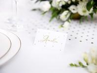 svatební jmenovka s puntíky