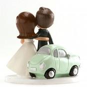 Novomanželé a mátové autíčko