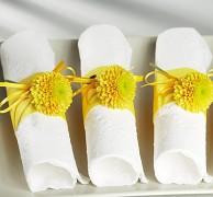 Ubrousky vytlačované bílé 16 ks