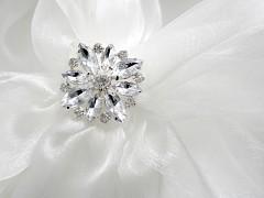 Štrasová brož květ