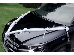 Šerpa na svatební auto bílá se saténovými kvítky
