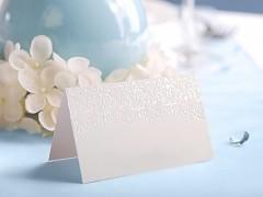 Svatební jmenovka ornament bílá perleťová