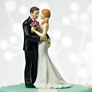 Figurka na svatební dort Škádlící se novomanželé