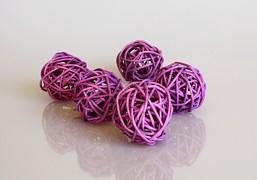 Ratanová koule purpurově fialová průměr 3 cm