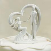 Svatební porcelánová figurka Novomanželé v srdci