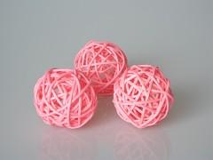 Ratanová koule růžová průměr 5 cm