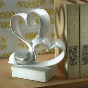 Svatební figurka na dort porcelánové srdce