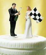 """Figurka na svatební dort """"Beru si závodníka"""""""