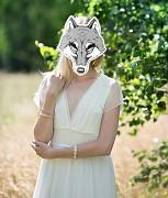 Maska vlčice na svatební focení