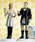 Figurka na svatební dort Ženich s nevěstou ve velení