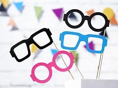 Rekvizity na svatební focení barevné brýle
