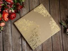 Kniha hostů přírodní se zlatým ornamentem