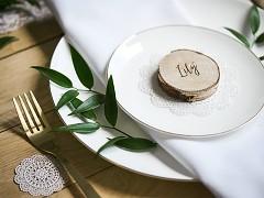 Svatební jmenovka dřevěná kolečka 6 ks