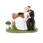 Figurka na svatební dort Novomanželé v parku