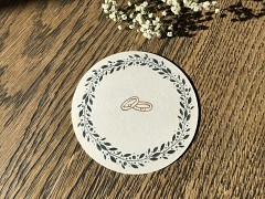 Nápojový tácek s myrtovým věnečkem