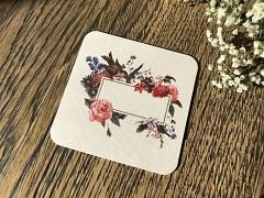 Nápojový tácek jmenovka s ptáčkem a květy