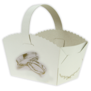 Košíček na svatební koláčky s prstýnky