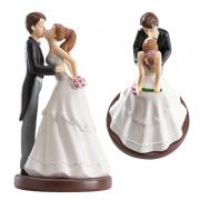 Nevěsta a ženich při polibku - svatební figurky