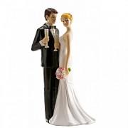 Nevěsta a ženich při přípitku  - svatební figurky