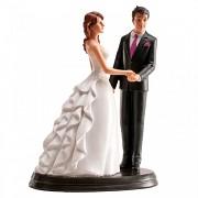 Ženich a nevěsta se zdobenými šaty  - svatební figurky