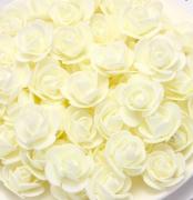 Růžička pěnová ivory 3,5 cm