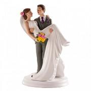 Ženich nesoucí nevěstu v náručí - svatební figurky
