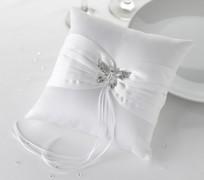 Polštářek pod prstýnky bílý s broží motýlkem