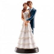 Nevěsta brunetka a ženich v objetí - svatební figurky