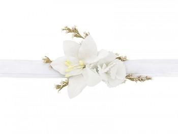 Boho květinová korsáž bílá